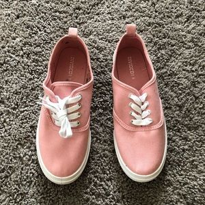 Pink H&M tennis shoes size 8 brand new never worn